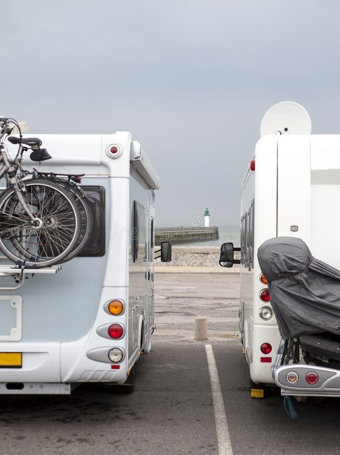 Wohnmobile in Calais stockfoto