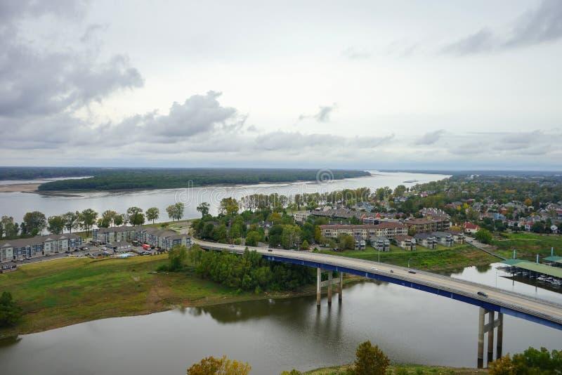 Wohnung nah an Fluss Mississipi lizenzfreies stockbild