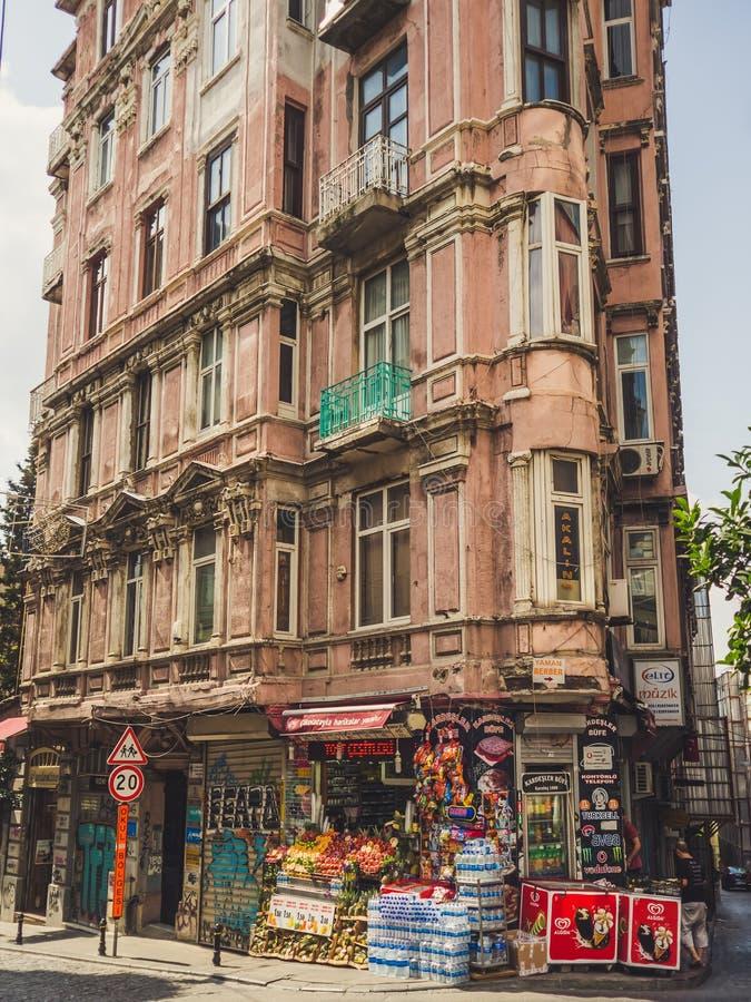 Wohnung und Geschäft in Istanbul lizenzfreie stockbilder