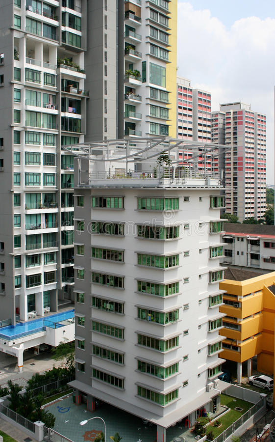 Wohnunghäuser auf der Straße von Singapur lizenzfreie stockbilder