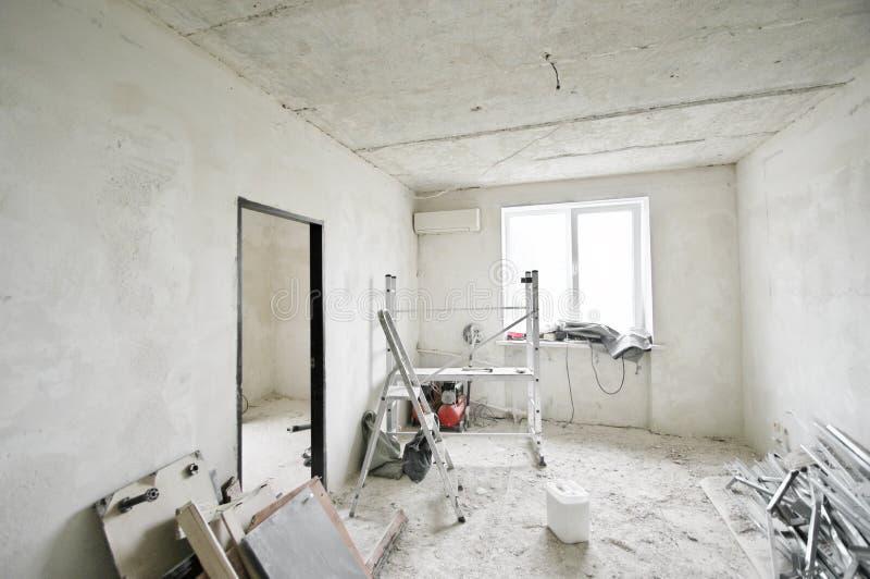 Wohnungsrenovierung in Bearbeitung lizenzfreie stockfotos