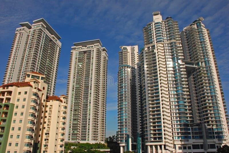 Wohnwolkenkratzer lizenzfreie stockfotografie