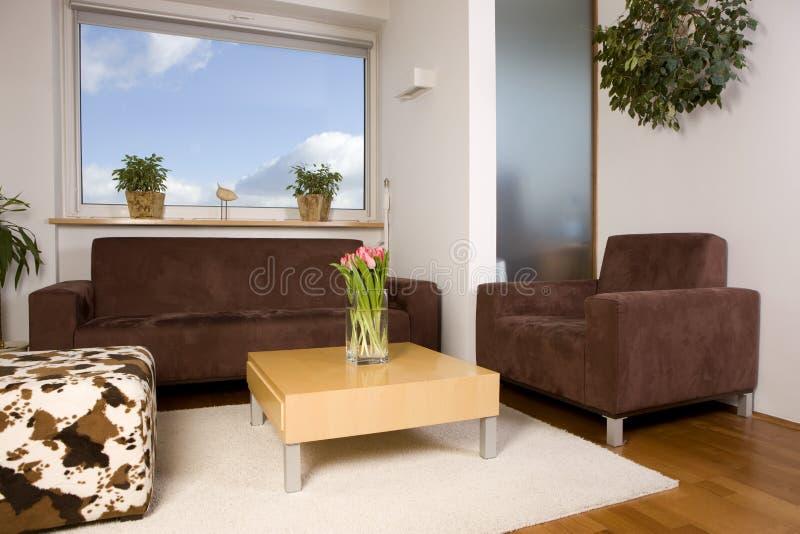 Wohnzimmer mit Fenster stockbilder