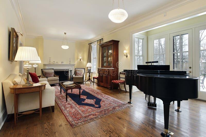 wohnzimmer mit gro em klavier stockfoto bild von gewebe wohn 15757418. Black Bedroom Furniture Sets. Home Design Ideas