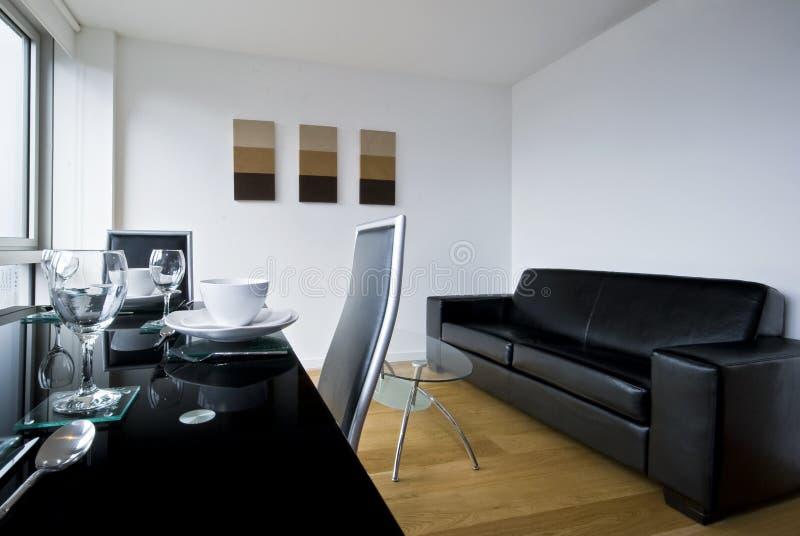 Wohnzimmer mit Speisetische stockfotografie