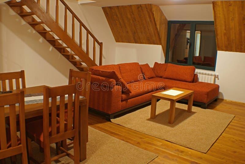 wohnzimmer und treppen stockfoto bild von sofa teppich 17913164. Black Bedroom Furniture Sets. Home Design Ideas