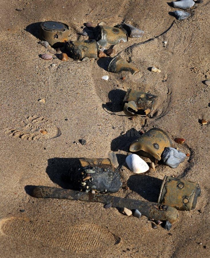 Wojny Światowa dwa uzbrojenia na wschodnim wybrzeżu wyrzucać na brzeg w 2016 fotografia royalty free