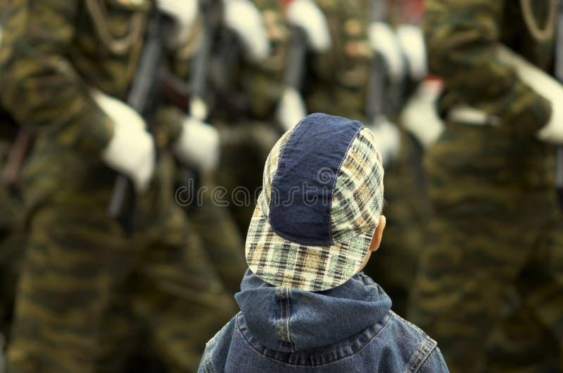 wojskowa parada chłopców obrazy stock