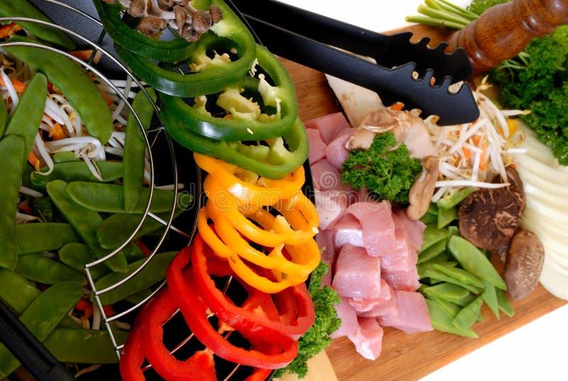 Wok con carne e le verdure fotografia stock libera da diritti