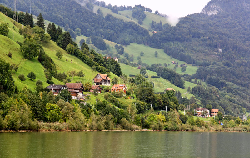 wokoło wzgórza Luzern jeziornej małej wioski fotografia royalty free