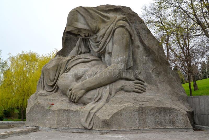 Wolgagrad, Russland Bildhauerische Zusammensetzung 'die Sorgen machende Mutter 'an Skorbi-Quadrat Mamayev kurgan stockbilder