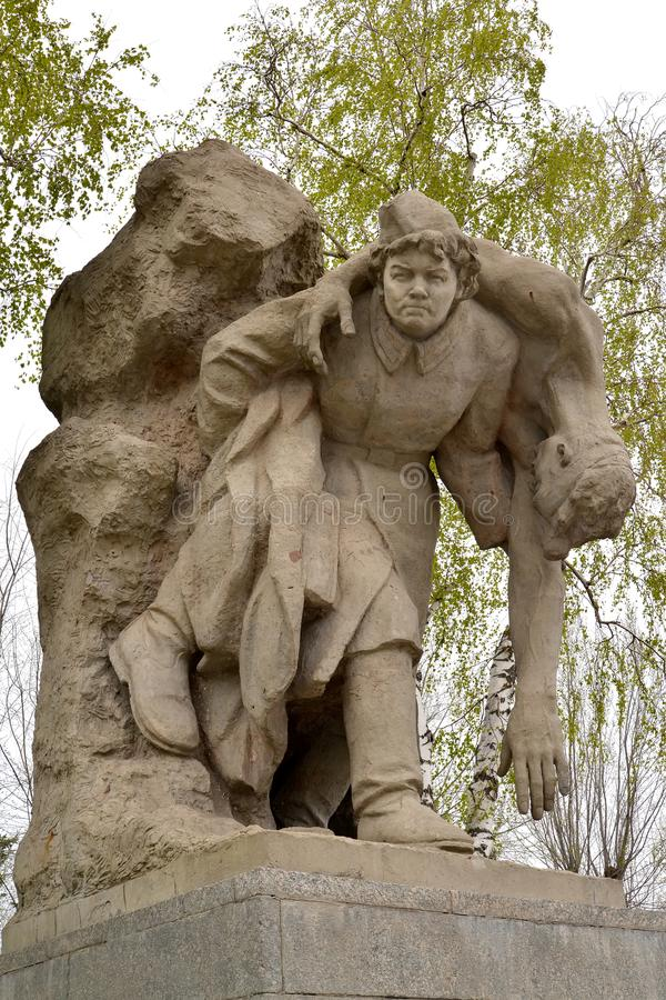 Wolgagrad, Russland Bildhauerisches Zusammensetzung ` Krankenschwester ` an den Helden quadrieren Mamayev kurgan lizenzfreies stockfoto