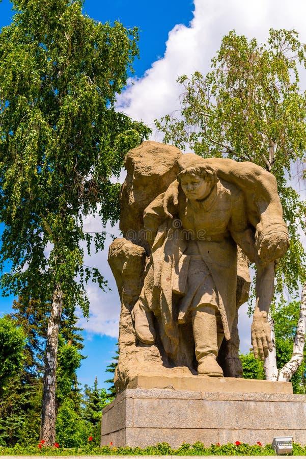 WOLGOGRAD, RUSSLAND - 26. MAI 2019: Skulptur der Krankenschwester in Mamayev-Hügel, Russland lizenzfreies stockfoto
