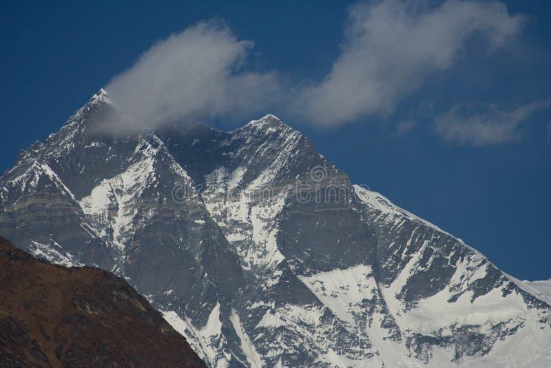 Wolk op Lhotse royalty-vrije stock foto