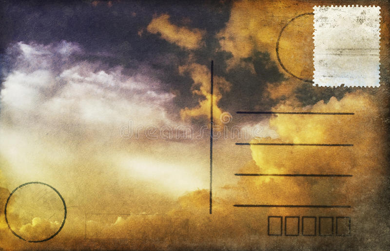 Wolk in zonsondergang op prentbriefkaar royalty-vrije illustratie