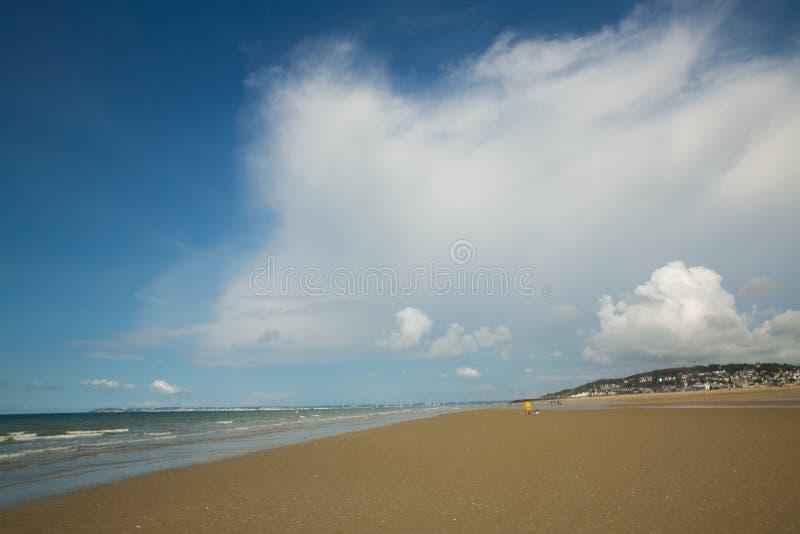 Wolke auf dem Strand stockfotografie