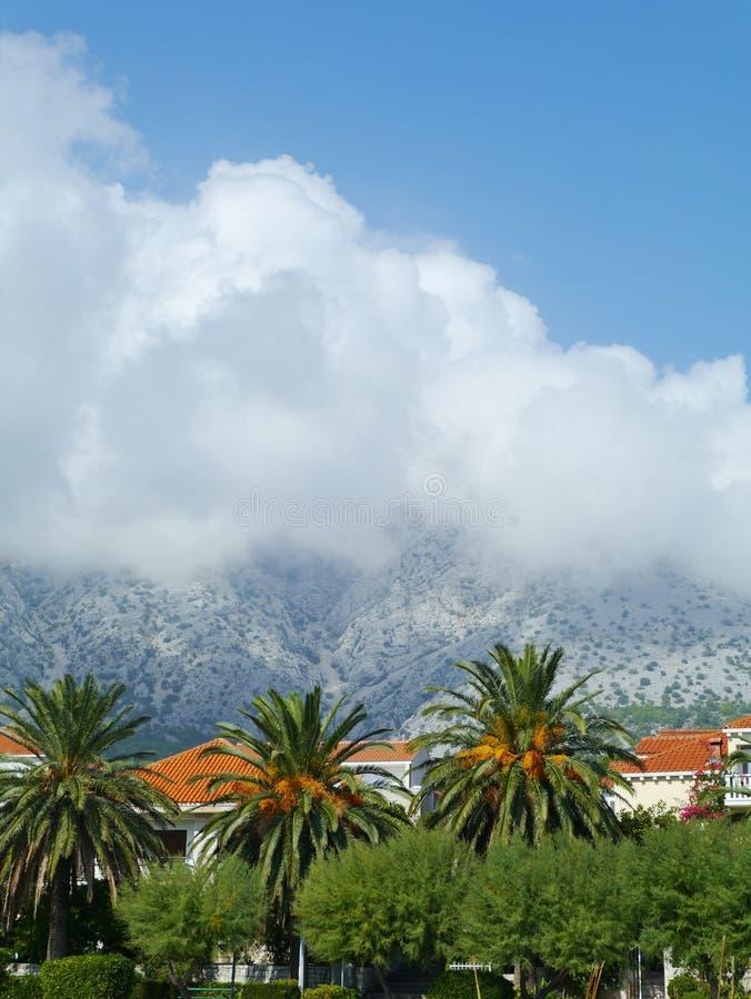 Wolken über Peljesac stockbild