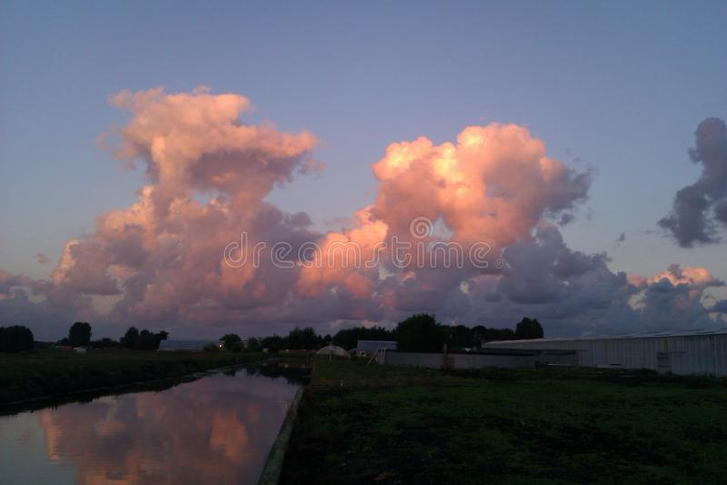 Wolken stock afbeeldingen