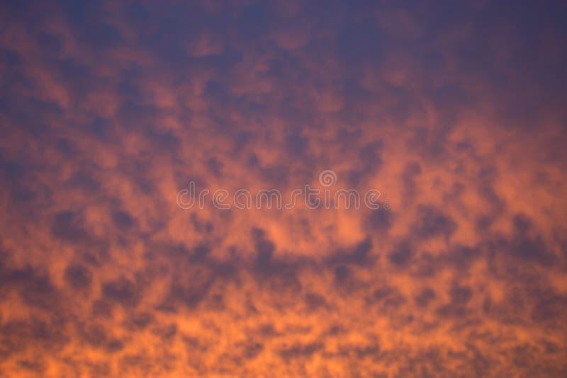 Wolken auf dem Himmel lizenzfreie stockbilder