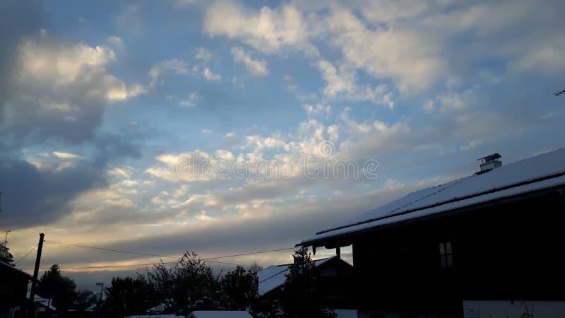 Wolken bij de hemel stock foto's