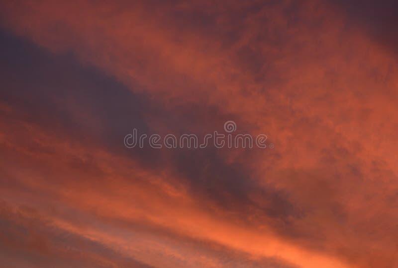 Wolken bij zonsondergang royalty-vrije stock fotografie