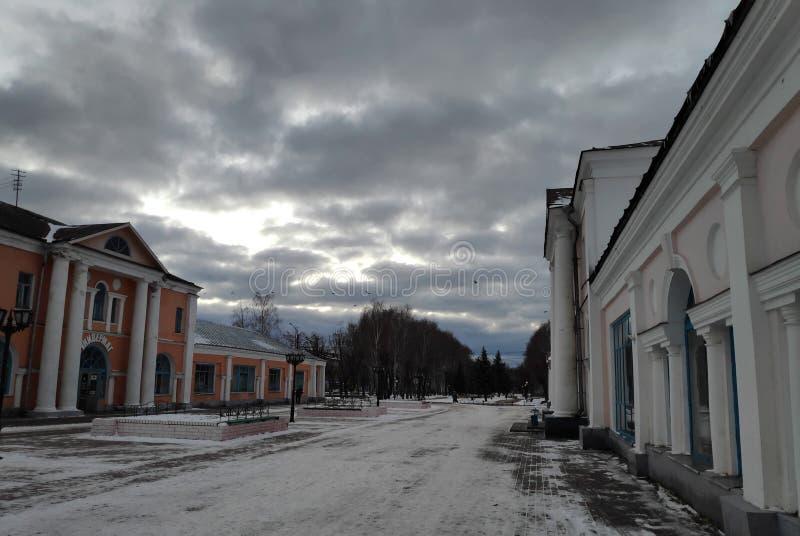 Wolken boven de Lege Stad royalty-vrije stock foto