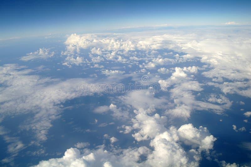 Wolken en blauwe hemel stock foto's