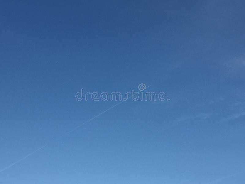 Wolken en hemelen stock foto