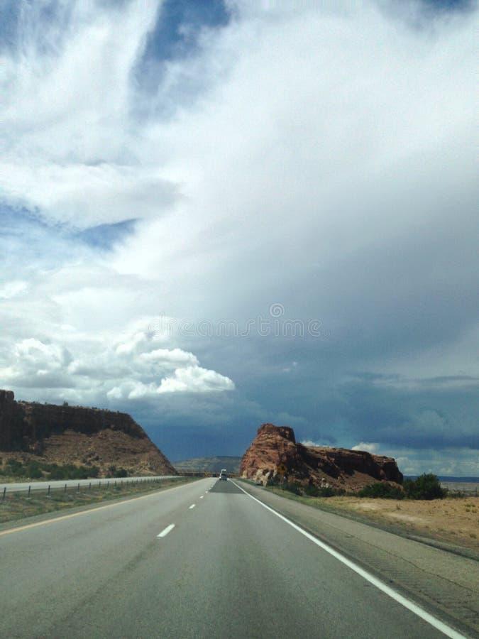 Wolken en klippen stock foto