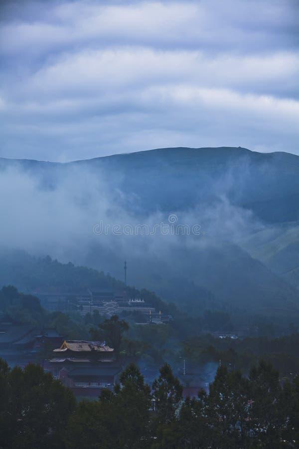 Wolken en mist in de tempel royalty-vrije stock afbeeldingen