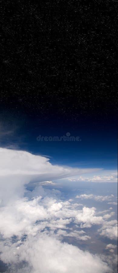 Wolken en Ruimte royalty-vrije stock afbeelding