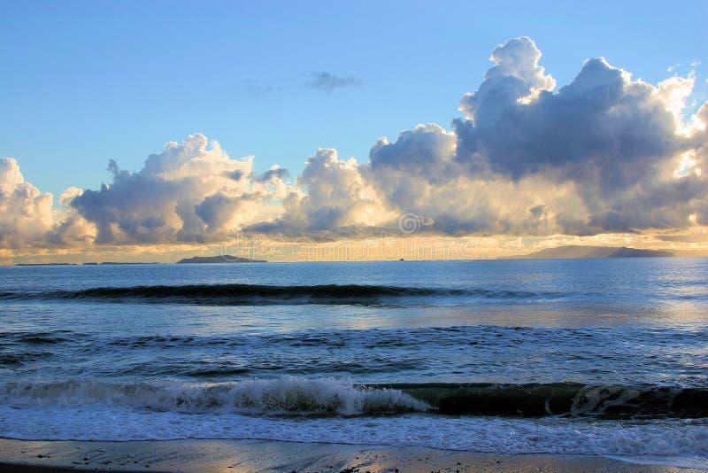 Wolken en Zonsondergang royalty-vrije stock foto