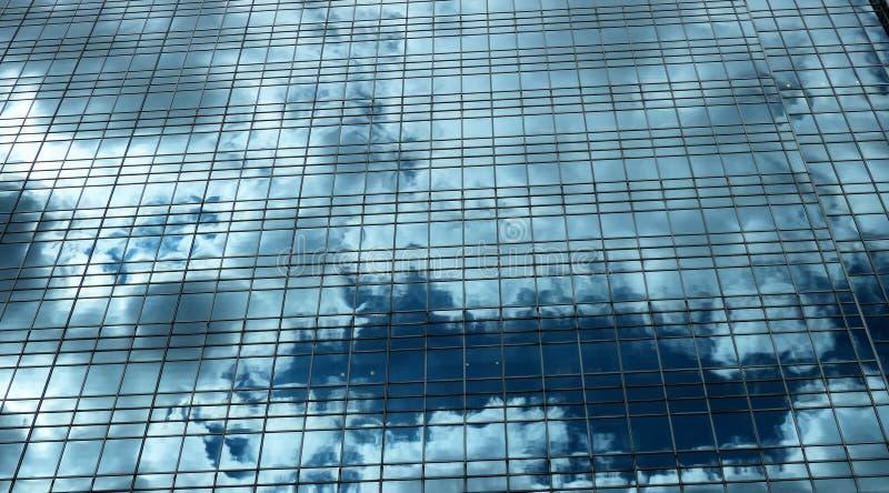 Wolken im Gebäude stockfoto