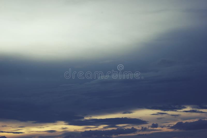 Wolken-Landschaft in Indonesien stockbilder