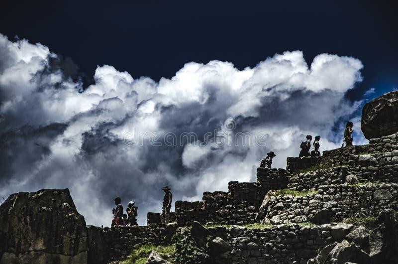 Wolken in Machu Picchu lizenzfreies stockbild