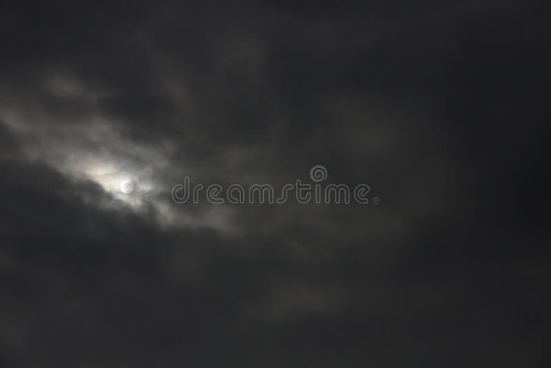 Wolken nachts lizenzfreie stockfotos