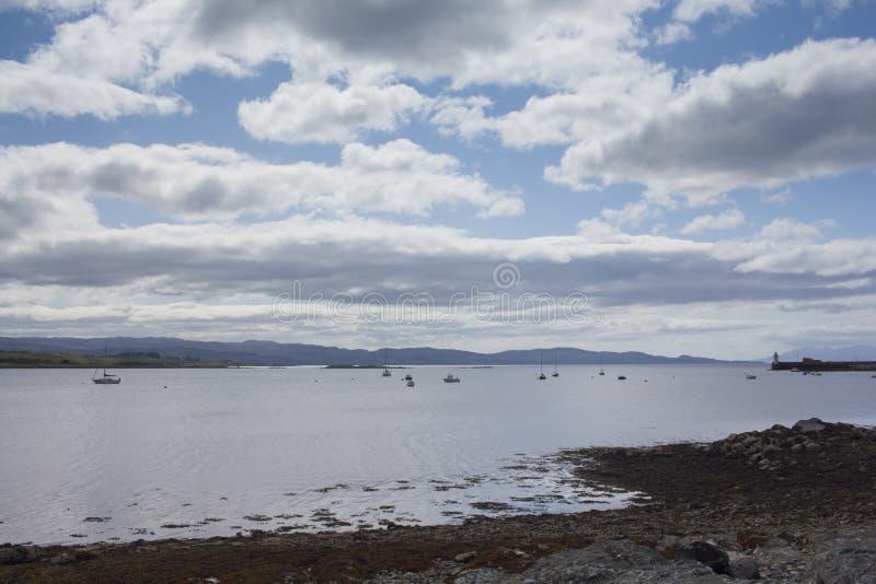 Wolken over loch Fyne op een de zomersdag royalty-vrije stock afbeeldingen