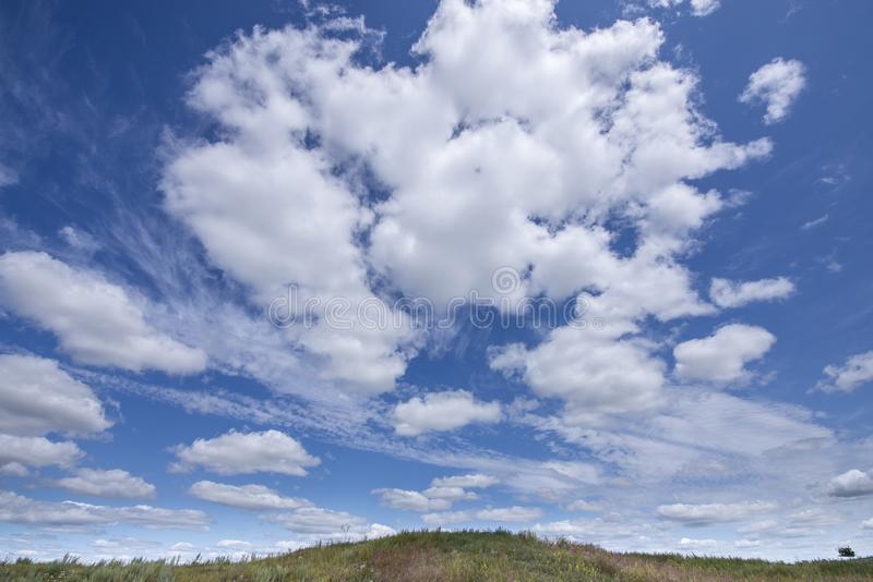 Wolken in Saskatchewan, Kanada lizenzfreies stockfoto