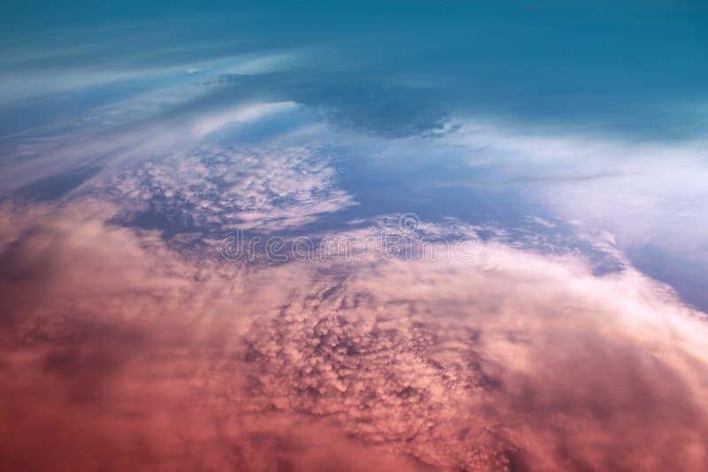Wolken am Sonnenuntergang. lizenzfreies stockbild