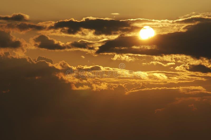 Wolken am Sonnenuntergang stockfotografie