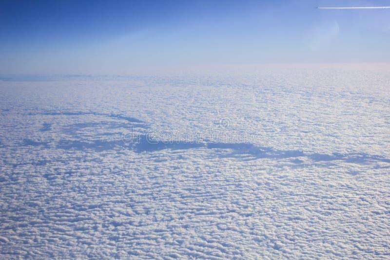 Wolken vom Flug stockbilder
