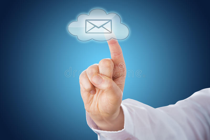 Wolkene-mail Pictogram op Blauwe die Grond door Aanraking wordt geactiveerd stock afbeeldingen