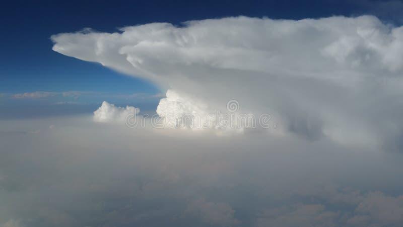 Wolkenflutwellen stockbilder