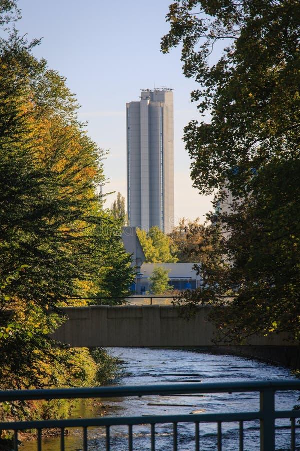 Wolkenkrabber in Chemnitz in de herfst royalty-vrije stock afbeelding