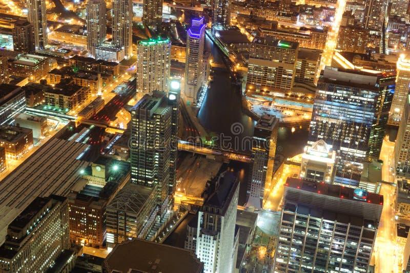 Wolkenkrabbers de van de binnenstad van Chicago bij nacht royalty-vrije stock foto's