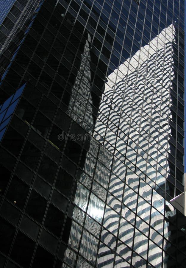 Wolkenkrabbers met veel glas royalty-vrije stock afbeeldingen