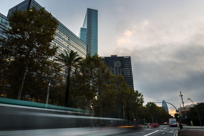 Wolkenkratzer der diagonalen Straße in Barcelona stockfotografie