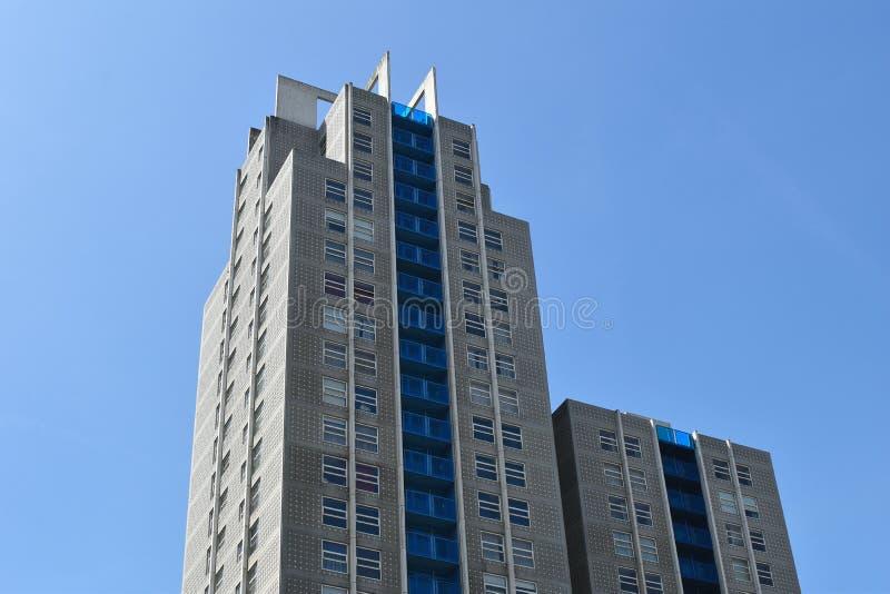 Wolkenkratzer in der Stadt von Den Haag Niederl?ndisches Europa stockfotografie