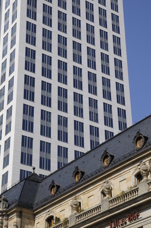 Wolkenkratzer in Frankfurt lizenzfreie stockbilder