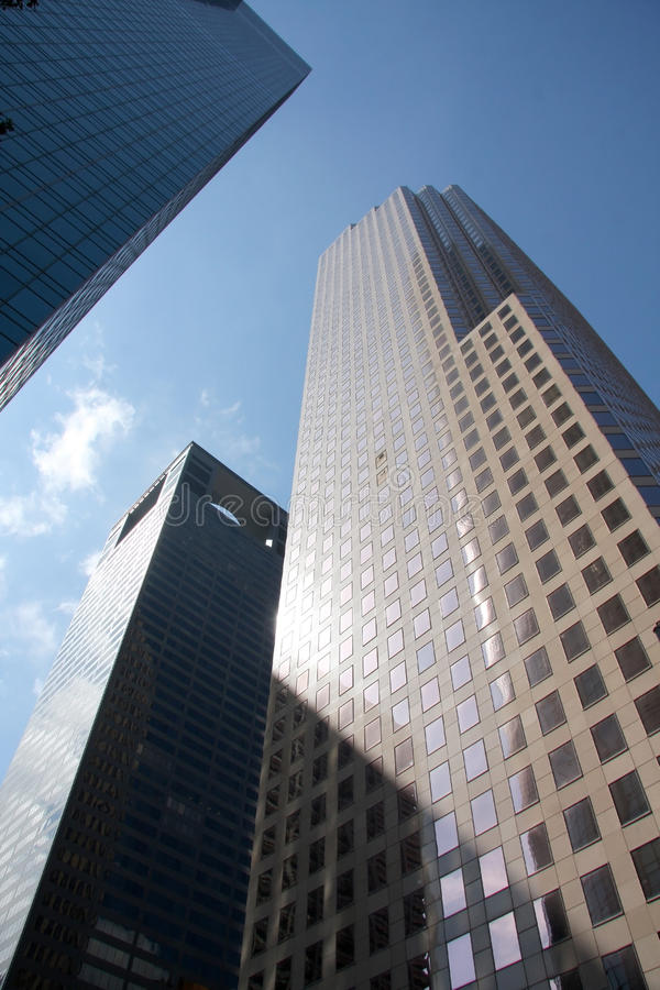 Wolkenkratzer in im Stadtzentrum gelegenem Houston lizenzfreies stockbild